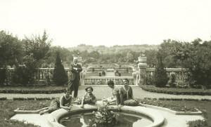1920 02